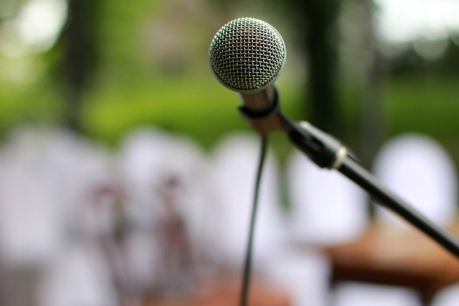 selective-focus-photography-of-microphone-534271