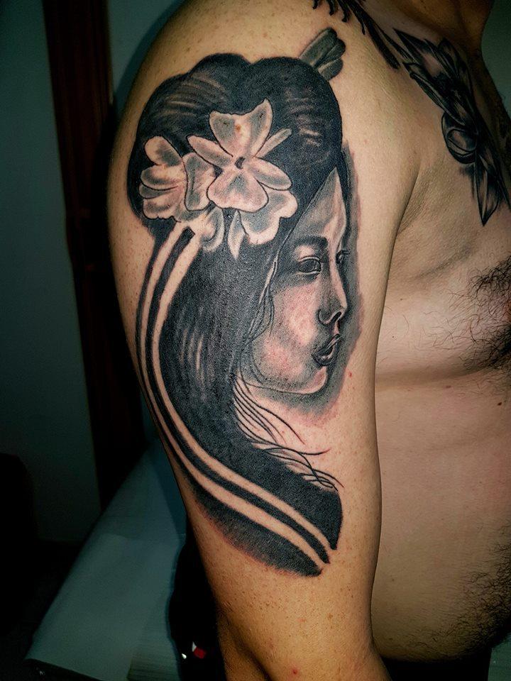 Amarillas-cr-cutos-tattoo-7