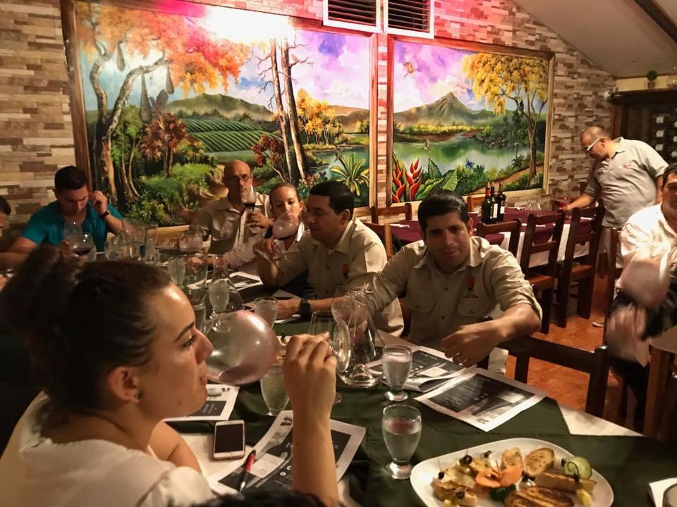 Amarillas-CR-Restaurante-Los-Nenes-2