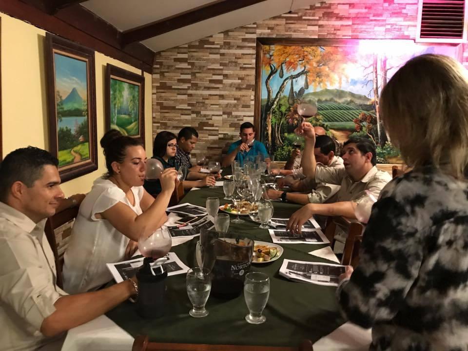 Amarillas-CR-Restaurante-Los-Nenes-3